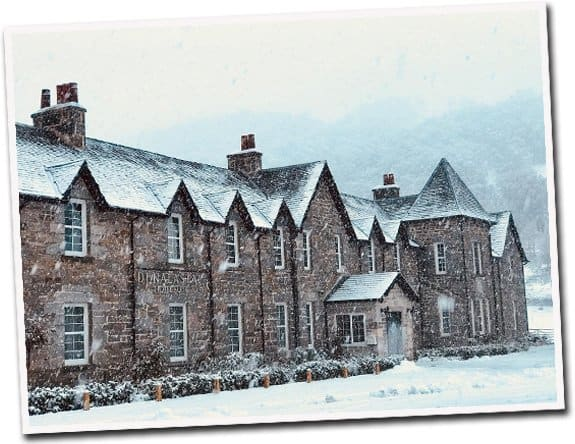 Dunalastair Hotel in Snow